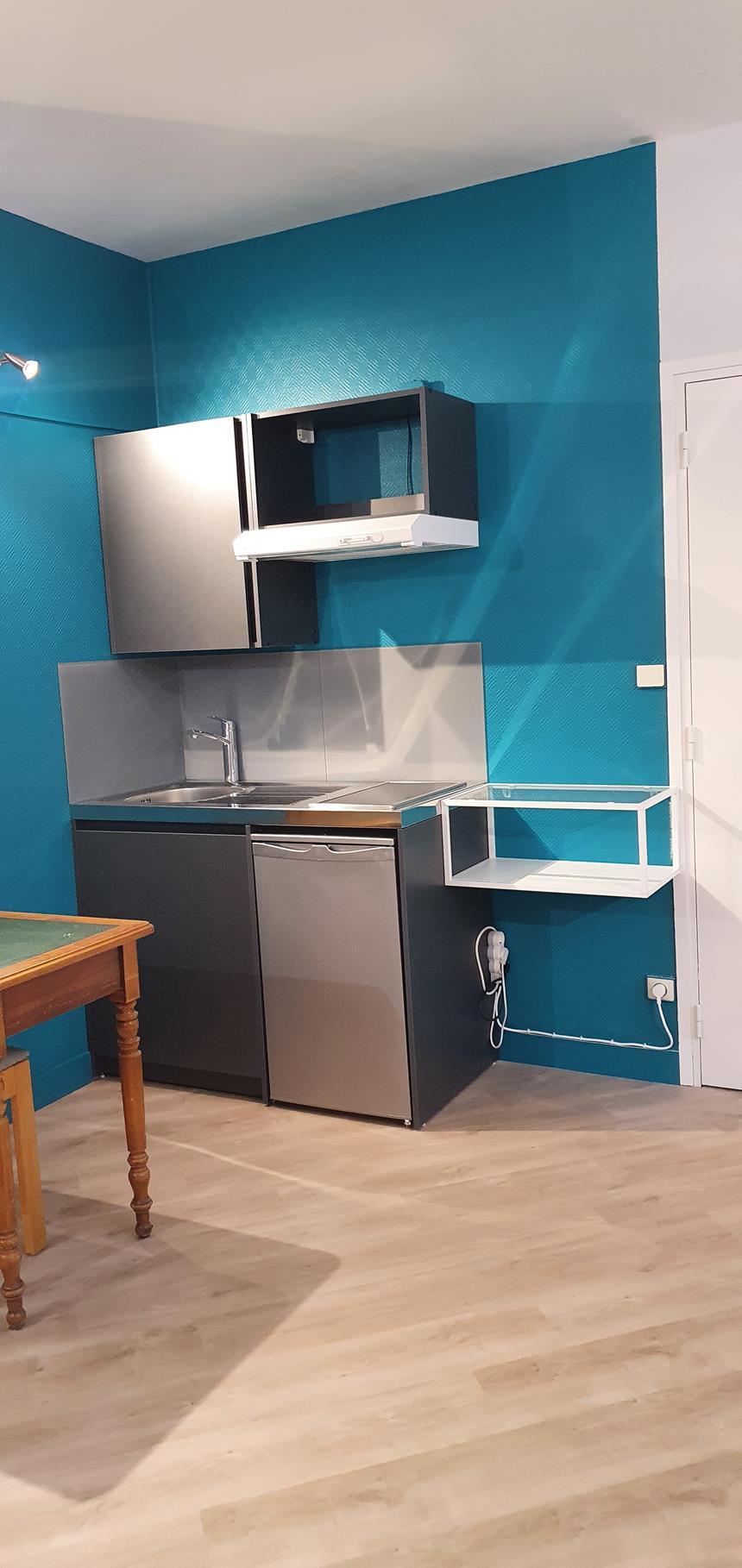 Studio 003 Kitchenette