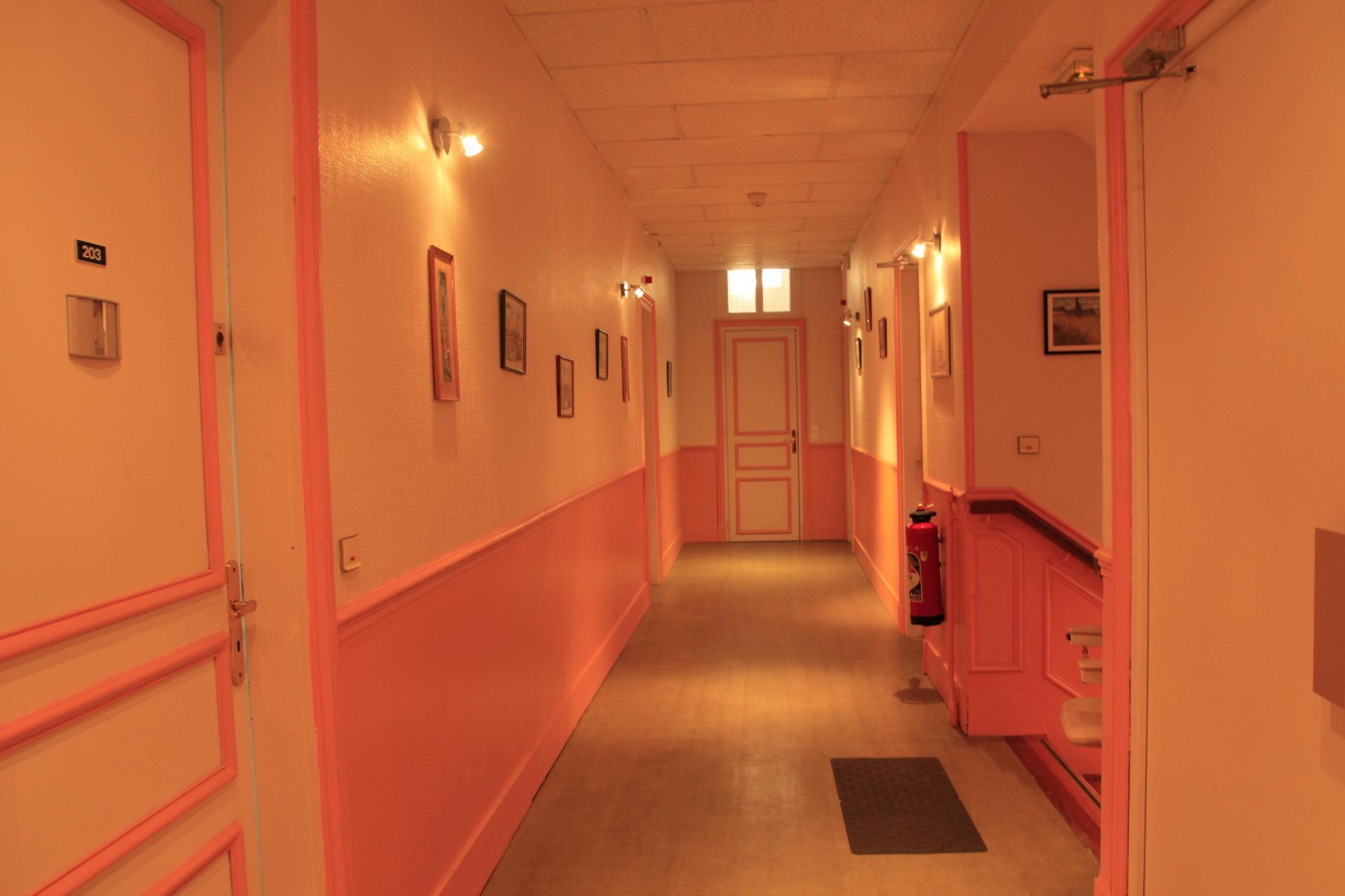 Couloir etage résidence sénior maison de retraite Ma Vallée Us Val d'Oise 95