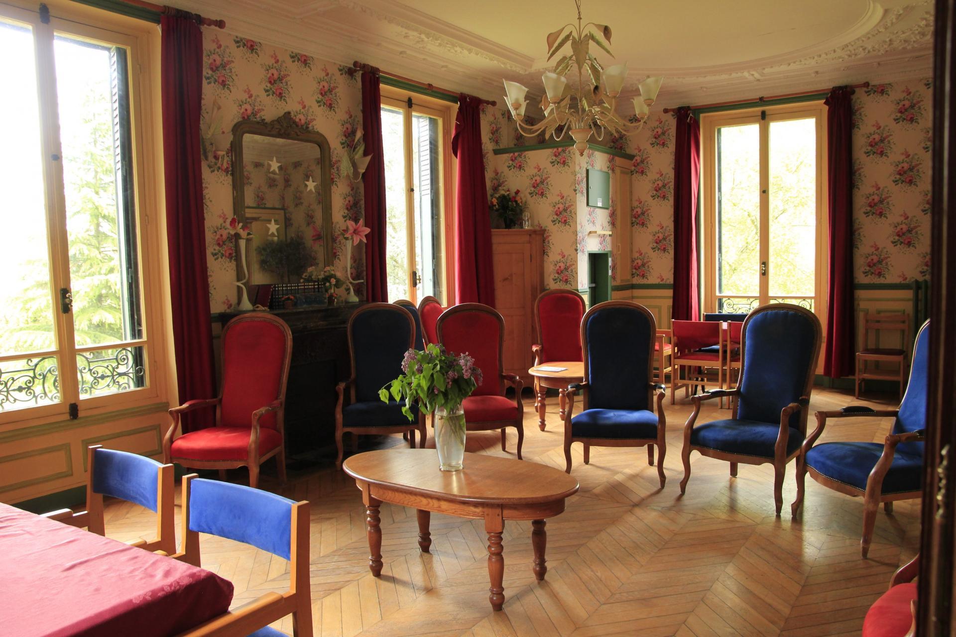 Salle Commune Résidence sénior Maison de Retraite Ma Vallée Us Val d'Oise 95